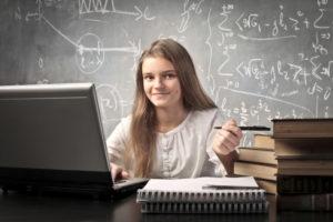 Studente prepara un esame